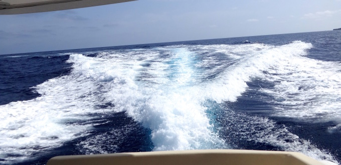 4 jacht motorowy