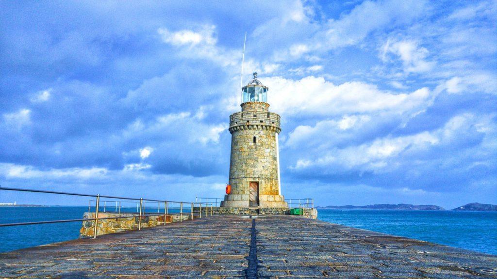 Guernsey - rejs na pływach